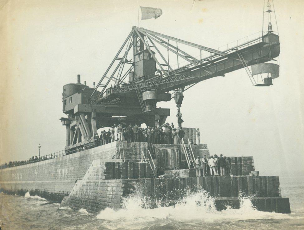 1885_crane.jpg