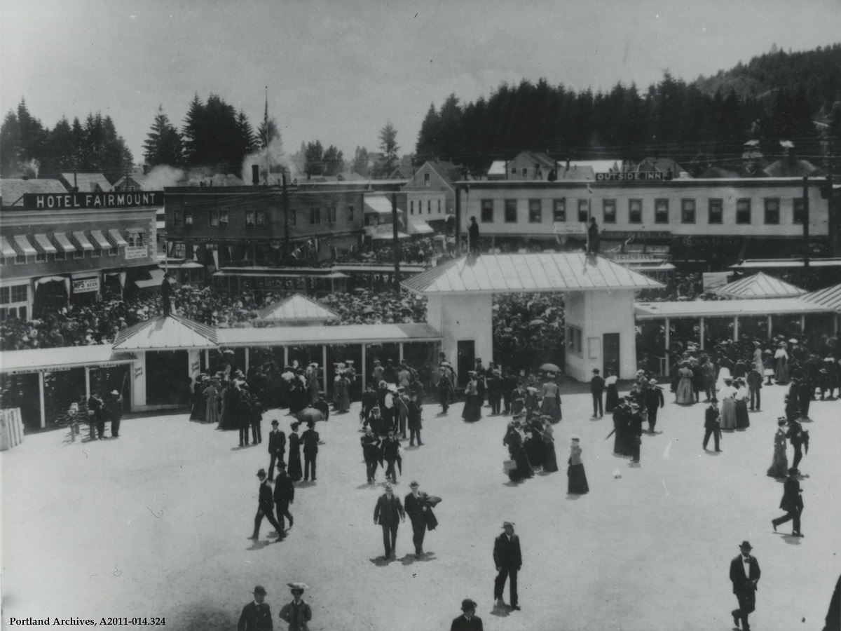 1905_view-of-main-entrance-at-lewis-and-clark-exposition.jpg