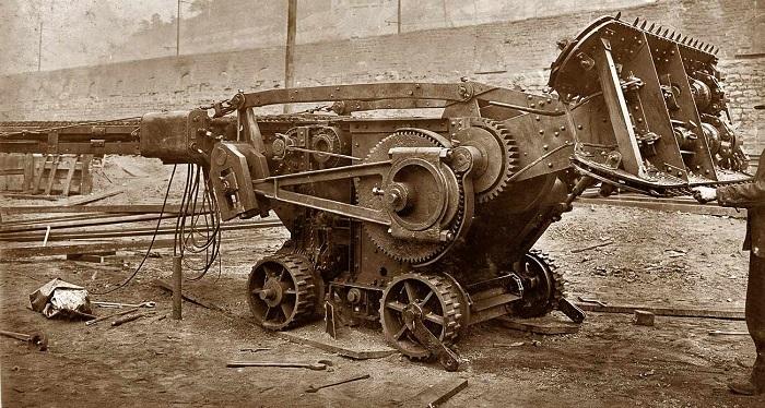 1908_tractor_1.jpg