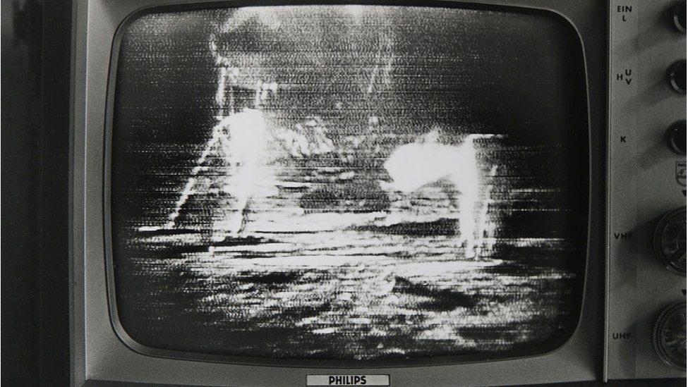 apollo_11_landing_2.jpg