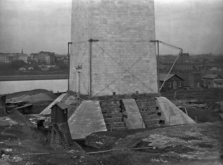 Buttresses under foundation of the Washington Monument during construction, 1880_7.jpg