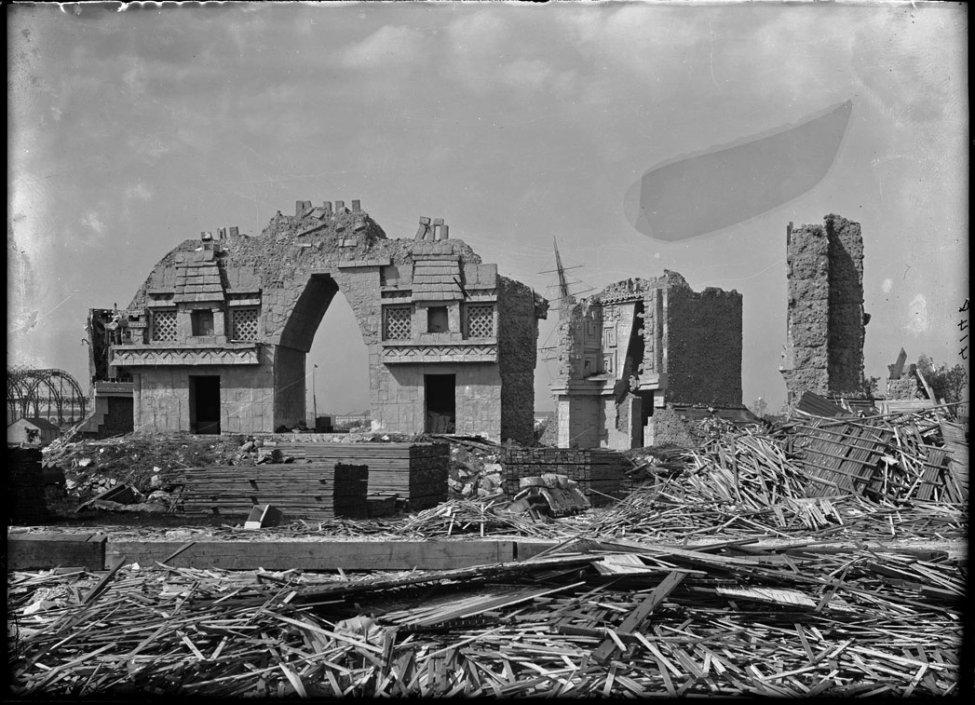 Cast_of_Mayan_ruins,_World's_Columbian_Exposition_exhibit.jpg