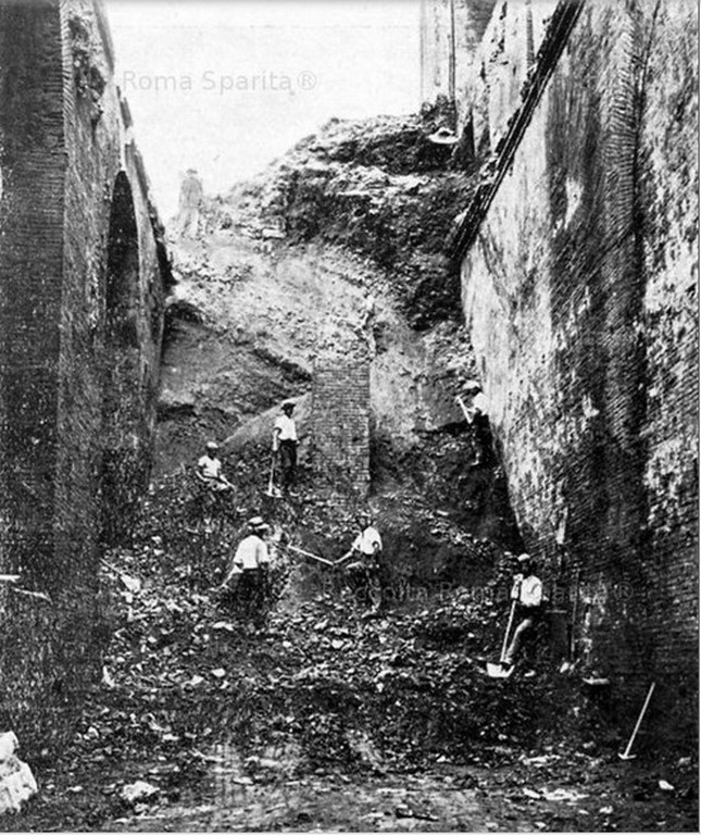 Excavation_Rome_17.jpg