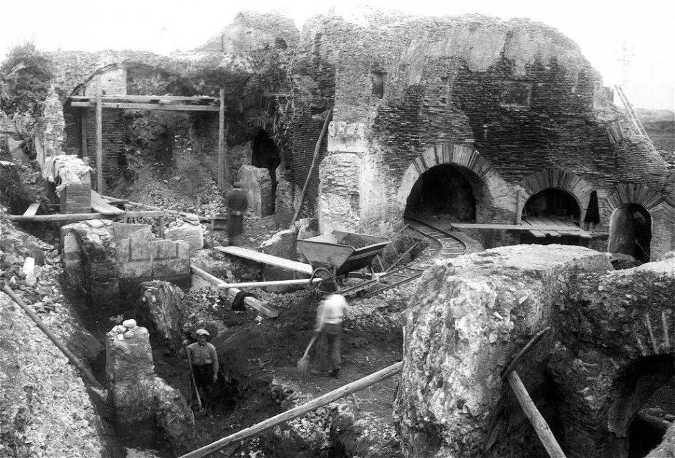 Excavation_Rome_4.jpg