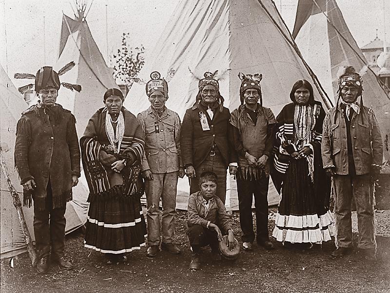 geronimo-and-apaches-at-the-st-louis-fair.jpg