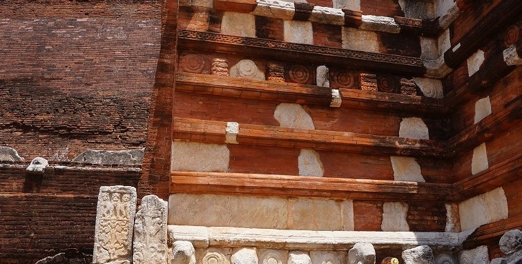 jetavanaramaya-stupa.jpg