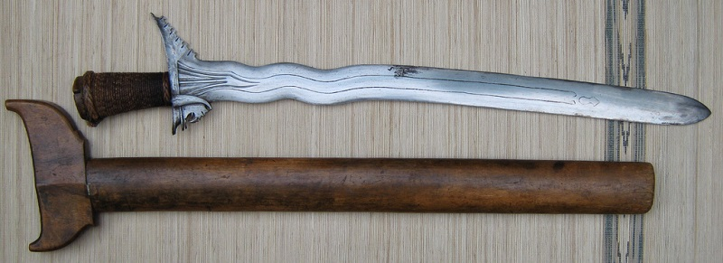 Kalis_seko_kris_moro_sword_2_overall.jpg