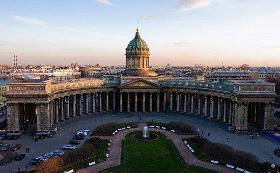 kazan-cathedral-fountain_1.jpg