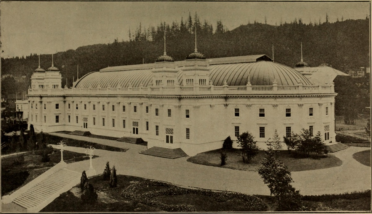 Oriental Exibit Palace.jpg