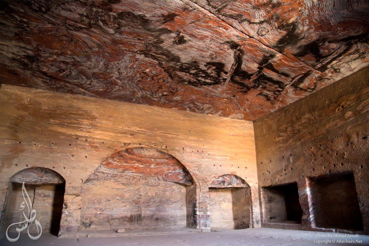 petra_inside_the_royal_tombs.jpg