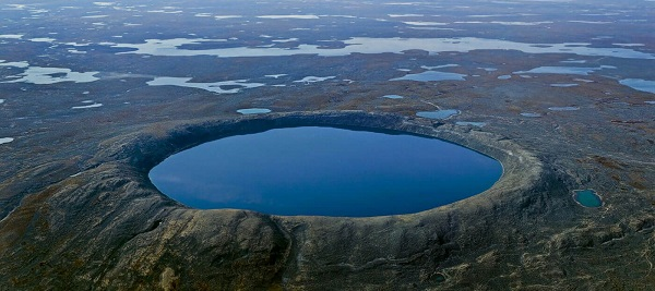 Pingualuit-Crater-Quebec-1.jpg