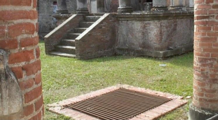 Piranesi_Pompeii_water_well_3.jpg