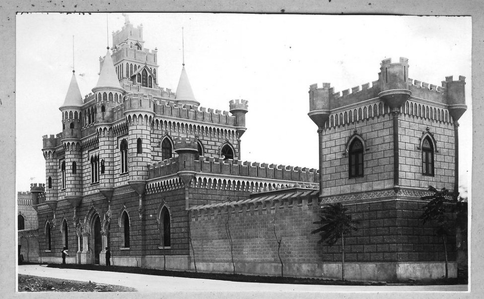 Rospigliosi_Castle_in_Lima.jpg