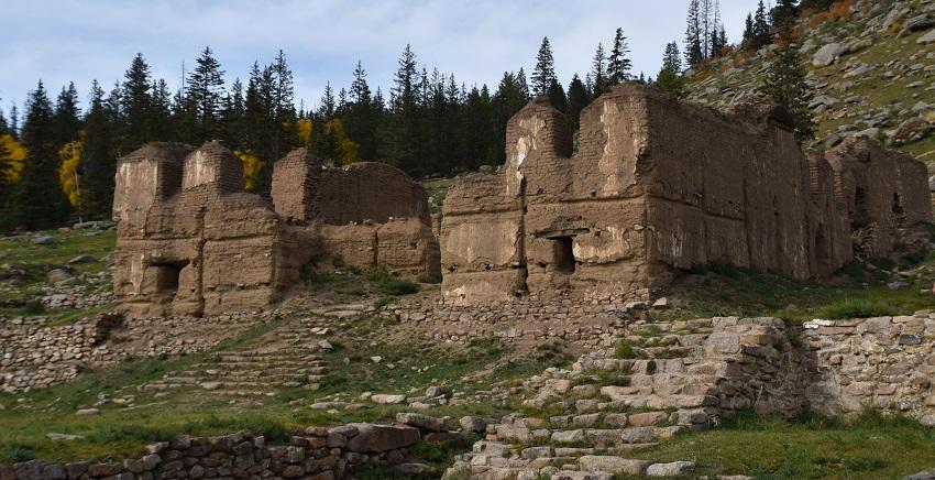 ruins-in-manjusri-monastery-in-bogd-khan-uul-national-park-in-mongolia.jpg