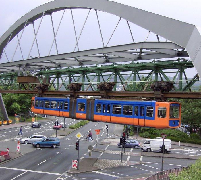 Schwebebahn-construction-1-11.jpg
