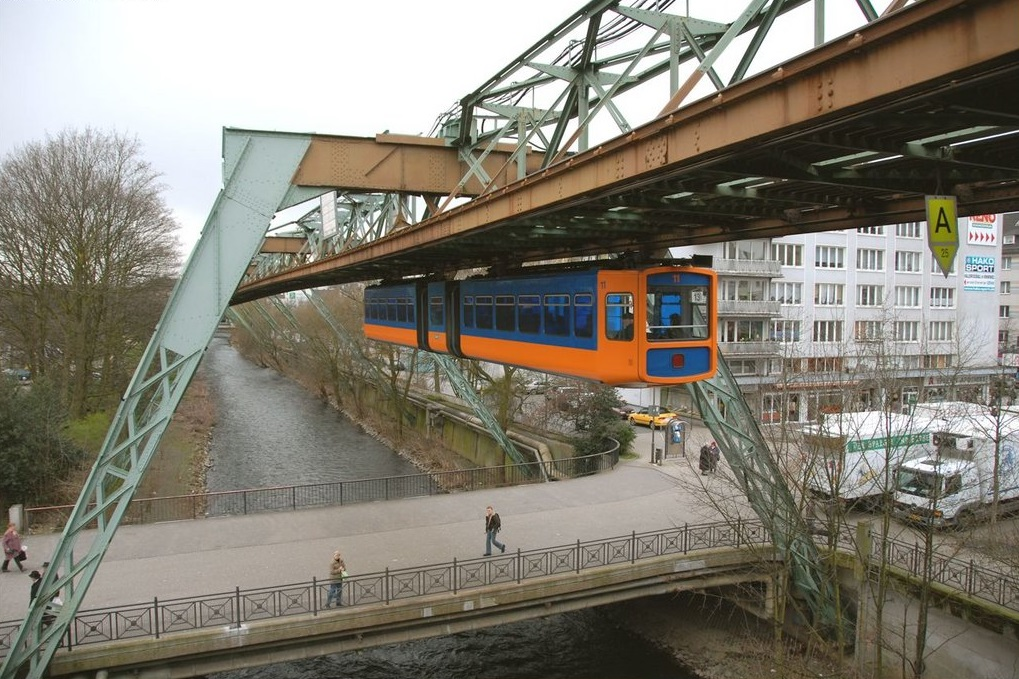 Schwebebahn-construction-1-13.jpg
