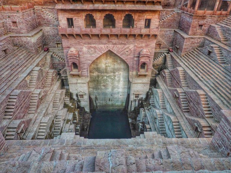 toorji-ka-jhalra-step-well-in-jodhpur-india.jpg