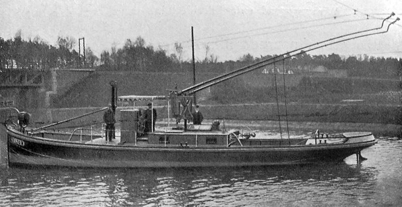 Trolley_boat_on_Teltow_canal_retuschiert_f.jpg