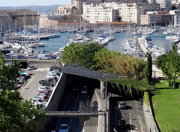 Tunnel_du_Vieux-Port.jpg
