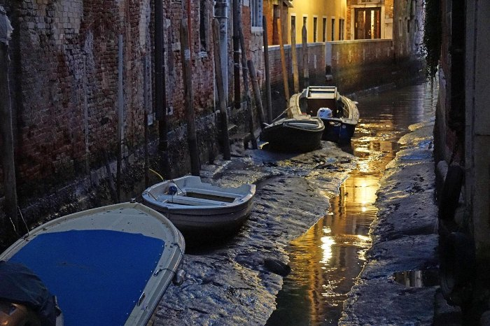 venice_with_no-Water_6.jpg