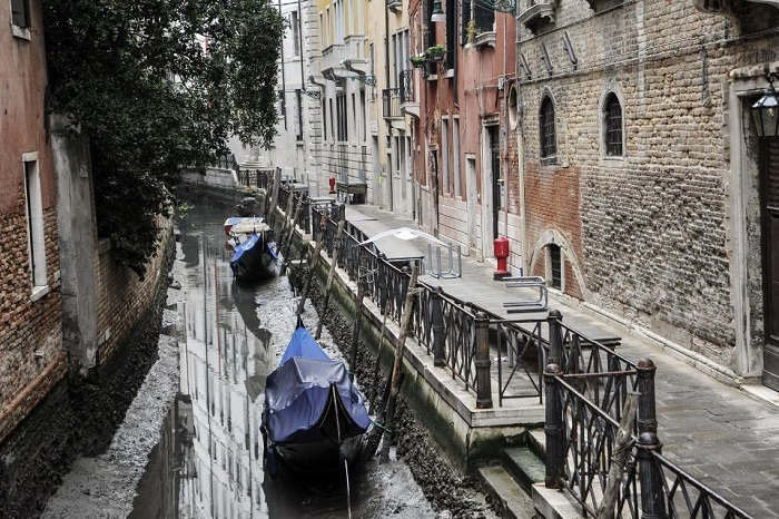 venice_with_no-Water_8.jpg