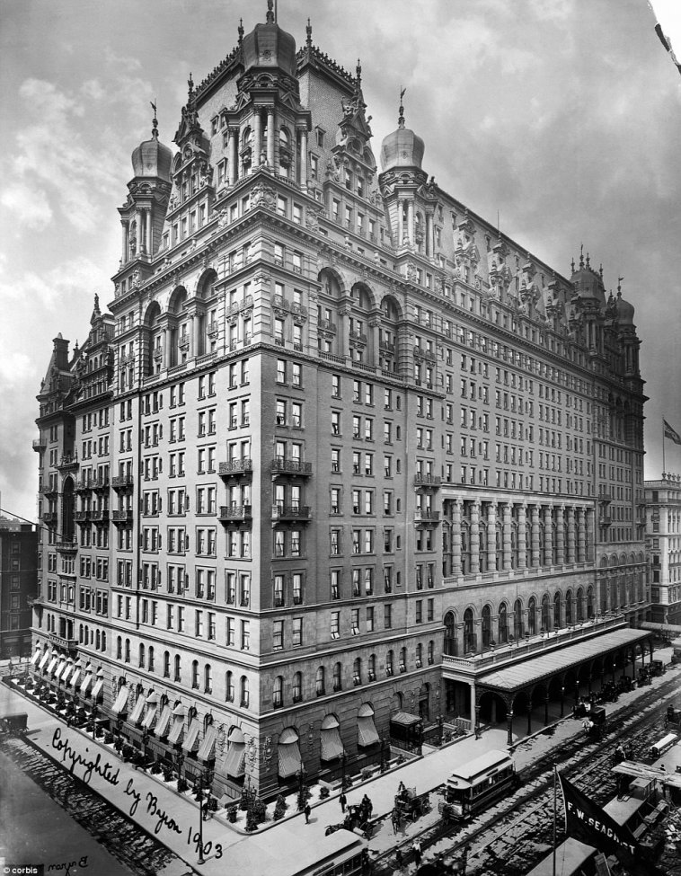 Waldorf-Astoria-1903.jpg
