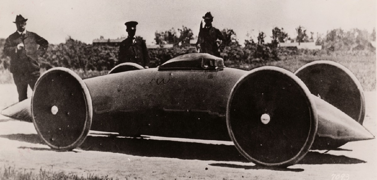 Walter Baker Electric Racing Cars 1.jpg