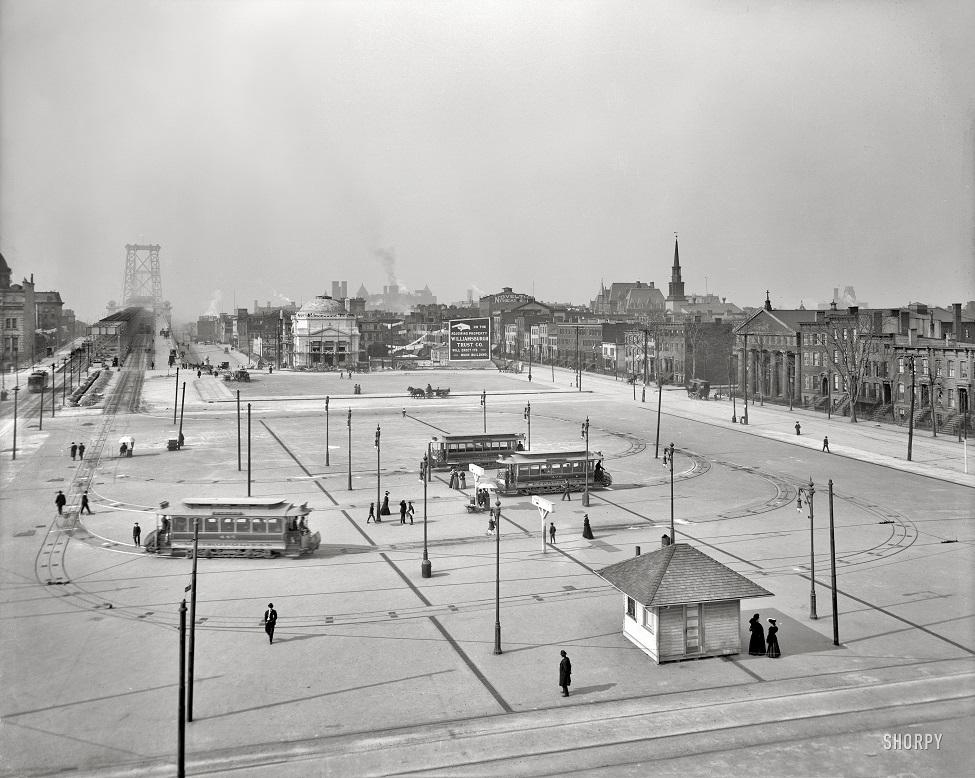 Williamsburg Bridge Plaza - 1.jpg